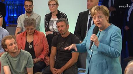 Wohlwollende Bürger fragen, die Kanzlerin antwortet, der Zuschauer wundert sich