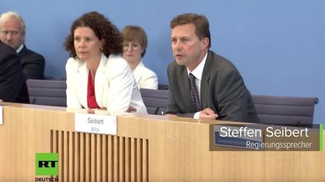 Regierungssprecher Seibert und AA-Sprecherin Adebahr: Der Russe ist schuldig, auch ohne Beweise....