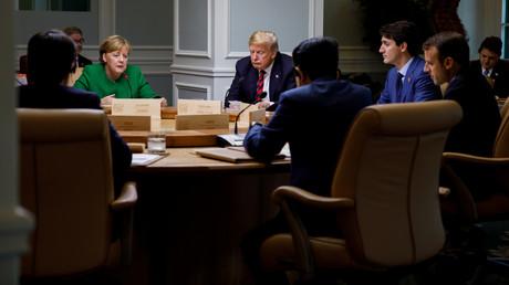 Justin Trudeau, Emmanuel Macron, Angela Merkel, Shinzo Abe und US-Präsident Donald Trump am ersten Tag des G7-Treffens in Charlevoix, Stadt La Malbaie, Quebec, Kanada, am 8. Juni 2018