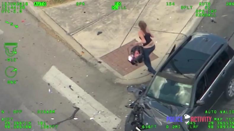 USA: Ihr Baby saß mit im Auto - Frau liefert sich Verfolgungsjagd mit Polizei und verursacht Unfall