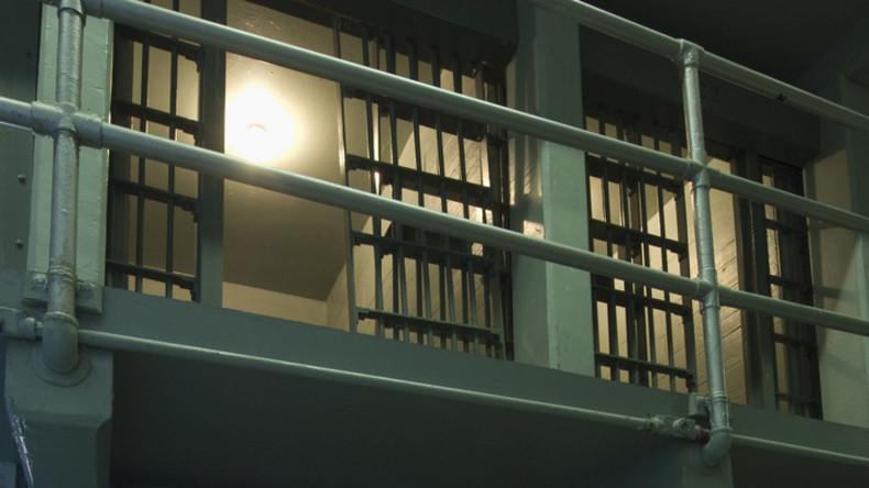 Transfrau wegen Vergewaltigung in Frauengefängnis inhaftiert – Sexuelle Übergriffe auf Insassinnen