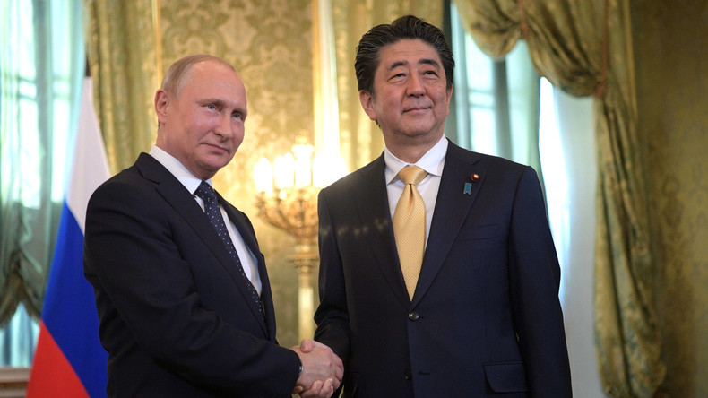 Video: Putin triftt Abe beim Eastern Economic Forum in Waldiwostock