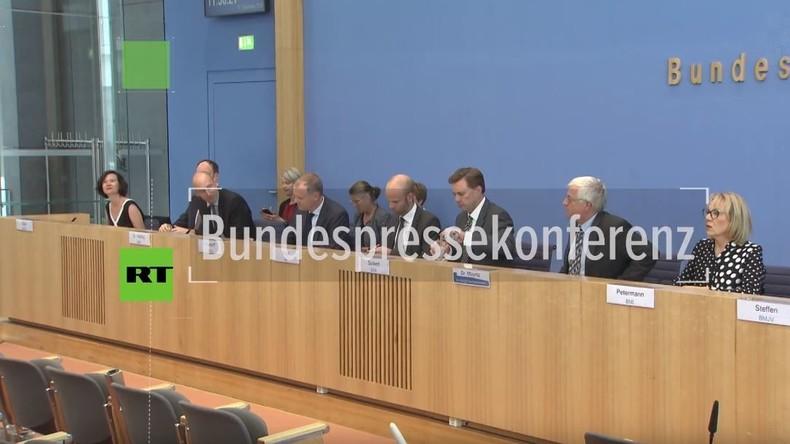 Bundespressekonferenz zum möglichen Kampfeinsatz der Bundeswehr in Syrien: Völkerrecht, was ist das?