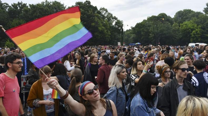 Rumänien billigt Referendum über Verschärfung des Verbots der Homo-Ehe