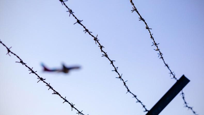 Abschiebeflug aus Deutschland in Afghanistan eingetroffen