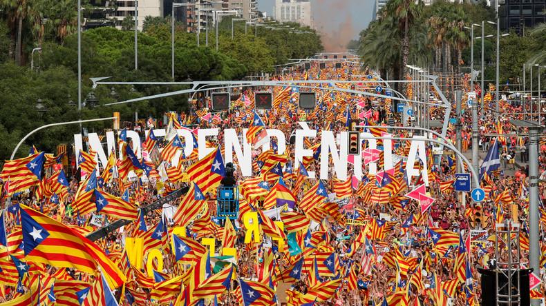 """Katalonien: Rund eine Million gingen für """"Freiheit, Republik und Unabhängigkeit"""" auf die Straße"""