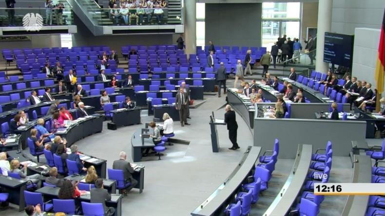 """Rechtsradikale wie in den 30ern"": AfD verlässt nach Schmährede Bundestagssaal (Video)"