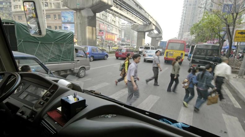Mann fährt in China in Menschenmenge - neun Tote, 46 Verletzte