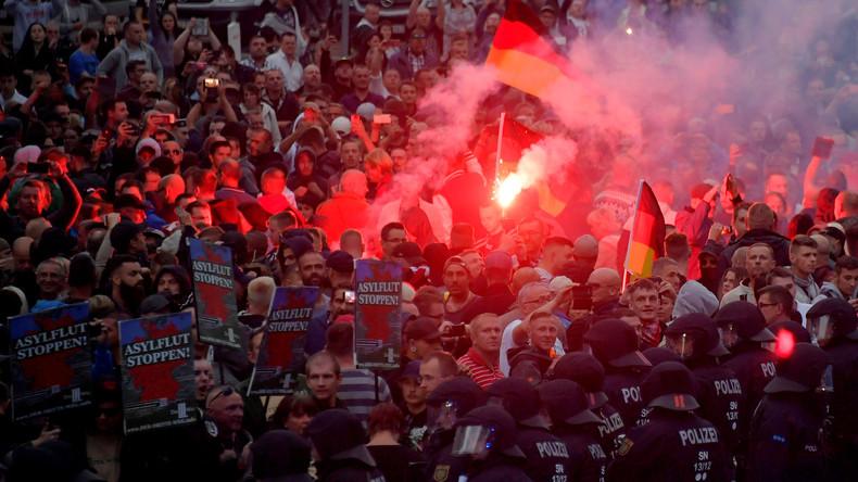 Willy Wimmer: Kanzlerin Angela Merkel schreddert unser Land