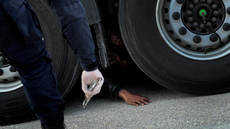 Griechische Grenzpolizei nimmt drei Schleuser fest