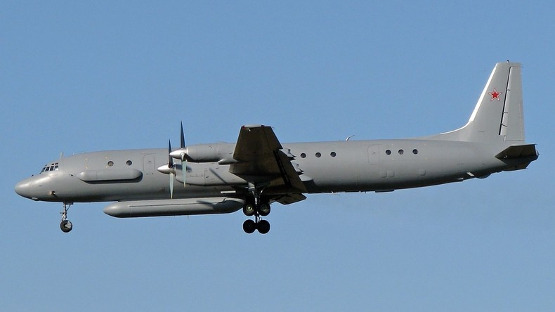 Nach Raketenangriff auf Latakia: Russisches Militärflugzeug mit 14 Menschen an Bord vermisst