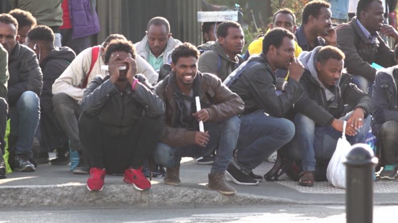 Frankreich: 200 Polizisten lösen Zeltlager von Flüchtlingen im Stadtzentrum von Nantes auf