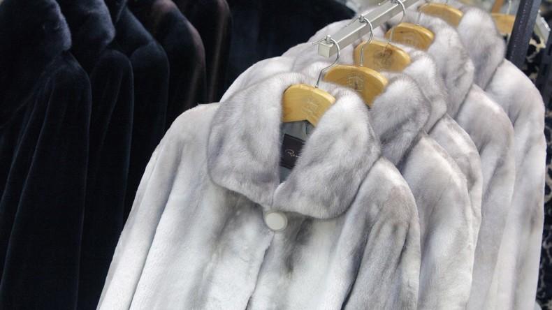 Der Winter naht: Diebe stehlen 100 Pelzmäntel aus Geschäft in Moskau