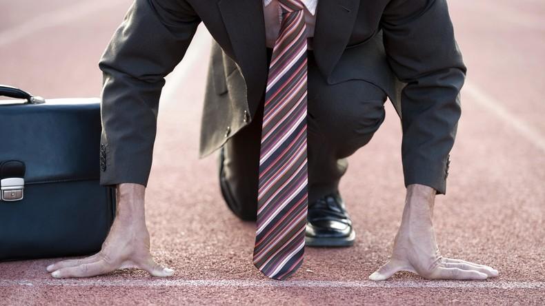 Für leichtere Job-Suche: Bibliothek verleiht Krawatten und Aktentaschen für Vorstellungsgespräche
