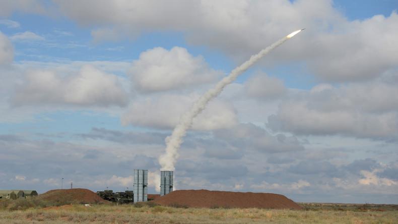 Stellungnahme von Verteidigungsminister Schoigu: Wir liefern jetzt S-300 an Syrien (Video)