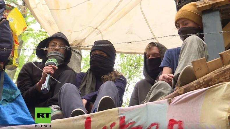 RT-Reportage zum Absturz im Hambacher Forst: Aktivisten widersprechen der Polizeiversion