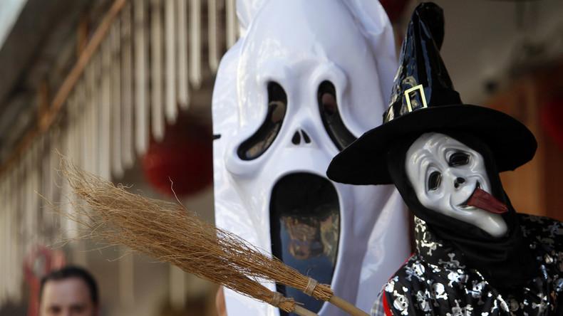 Probeliegen im Sarg als Halloween-Spektakel: US-Erlebnispark lockt mit Gratistickets