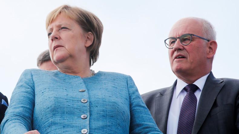 Machtkampf um CDU/CSU-Fraktionsvorsitz - Merkel und ihr Wunschkandidat Kauder verlieren an Rückhalt