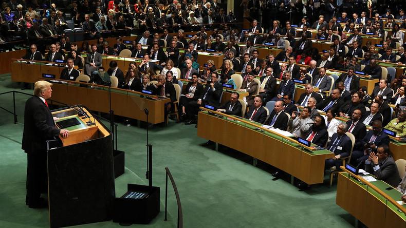 Trumps Auftritt vor UN US-Präsident prahlt mit seinen Erfolgen- Publikum lacht