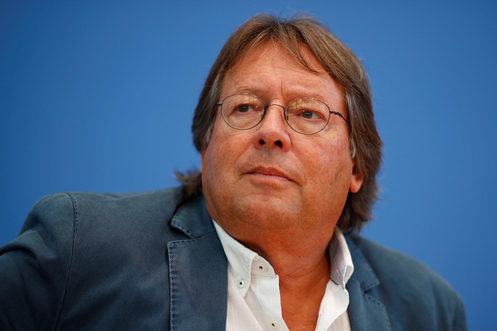 """Die Stunde der Hebammen: Pressekonferenz der linken Sammlungsbewegung """"Aufstehen"""""""