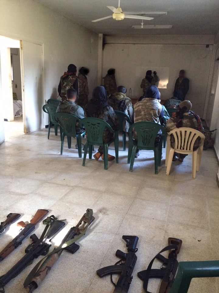 Bilder zeigen US-Militärpräsenz größer als vermutet - Private Söldner bilden Milizen in Syrien aus