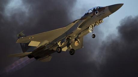 Israel hat eingestanden, über 200 Luftangriffe in Syrien in den letzten 18 Monaten durchgeführt zu haben. (Symbolbild zeigt einen israelischen F15-Kampfjet)
