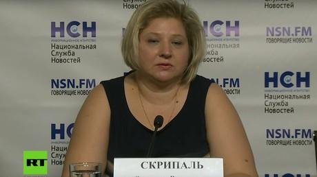 Beklagt sich über fehlenden Kontakt zu ihren Verwandten in England: Victoria Skripal während der Pressekonferenz.