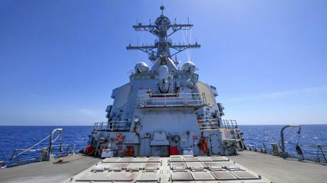 Der Zerstörer USS Ross kam bereits im vergangenen Jahr bei Militärschlägen der USA auf Syrien zum Einsatz. Wird er bald wieder seine Marschflugkörper auf das arabische Land abfeuern?