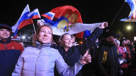 Bewohner der Krim feiern das dreijährige Jubiläum des Krim-Referendums