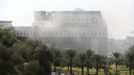 Bewaffnete Kämpfer stürmen Öl-Hauptquartier in Libyen