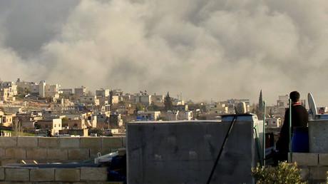 Rauch in der Provinz Idlib nach einem angeblichen Luftangriff im März 2015.