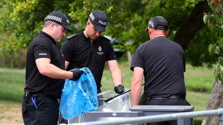 Noch Monate später suchen Polizisten in Salisbury nach Beweismitteln (Aufnahme vom 19. Juli)
