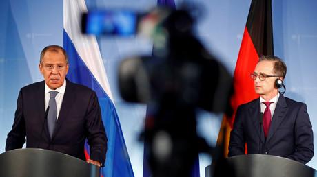 Bundesaußenminister Heiko Maas und sein russischer Amtskollege Sergei Lawrow sprechen am 14. September 2018 auf einer Pressekonferenz im Außenministerium in Berlin.
