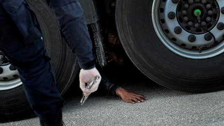 Griechische Grenzpolizei nimmt drei Schleuser fest (Symbolbild)