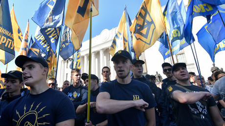 Am 20. September protestierten Ultranationalisten vor dem ukrainischen Parlament in Kiew gegen die Politik und die Rede von Präsident Petro Poroschenko.
