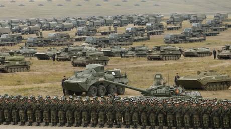 Symobolbild: Aufmarsch russischer Truppen im Rahmen des Manövers Vostok-2018, 13. September 2018