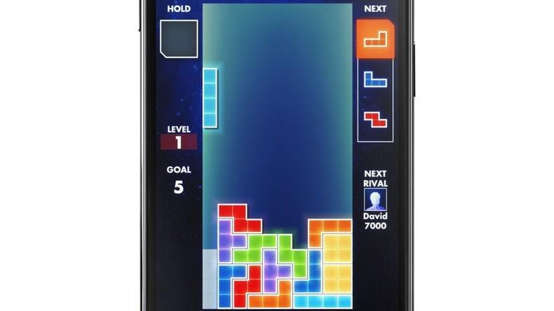 Telepathisches Tetris: Vernetzung von drei Gehirnen ermöglicht Gedankenlesen für Videospiel
