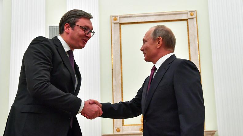 """""""Wir bekamen alles, was wir suchten"""": Serbiens Präsident Vučić zufrieden nach Gesprächen mit Putin"""