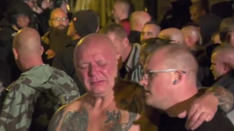 """""""Ahh, ihr scheiß …!"""" – Polizei setzt Pfefferspray bei Rechtsrock-Konzert in Apolda ein"""