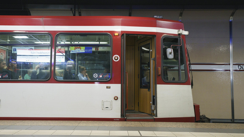 Peinliche Panne bei Testfahrt: Düsseldorfer Züge zu breit für U-Bahnhöfe in Duisburg