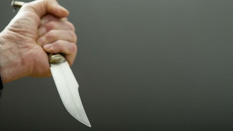 Nase zu: Russe sticht sich 20 Zentimeter langes Messer in den Schädel, damit Kopf atmen kann