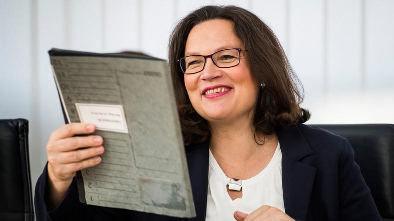 Vor der Wahl in Bayern liegt SPD bei 10 Prozent: Nahles droht mit GroKo-Ende