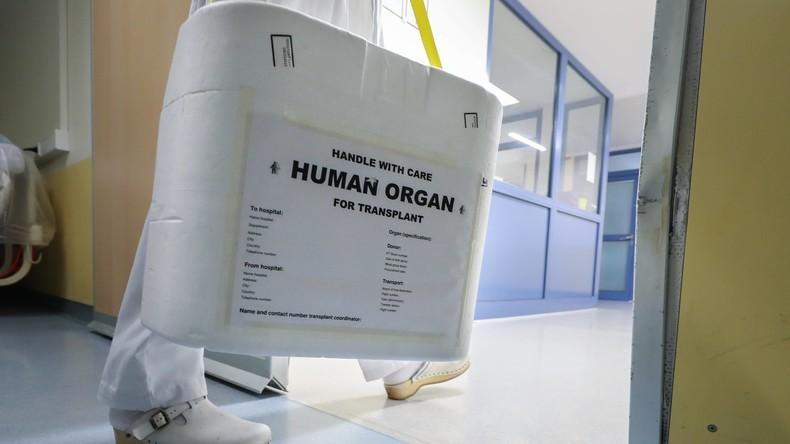 Historische Organspende: HIV-positive Mutter spendet ihrer nicht infizierten Tochter Leber