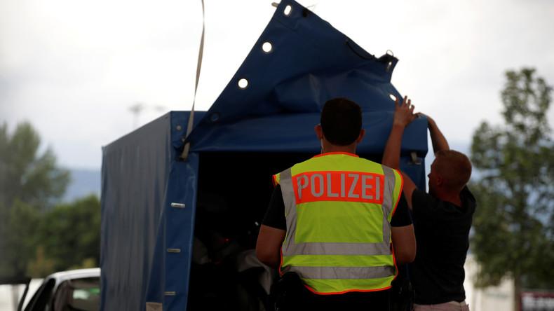 Deutschland verlängert Kontrollen an der Grenze zu Österreich