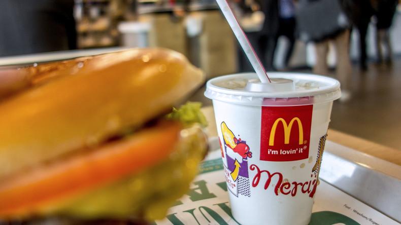 Helfer abserviert: McDonalds verweigert britischen Feuerwehrmännern kostenlose Getränke