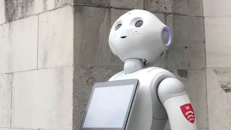 LIVE: Roboter tritt erstmals als Zeuge im britischen Parlament auf