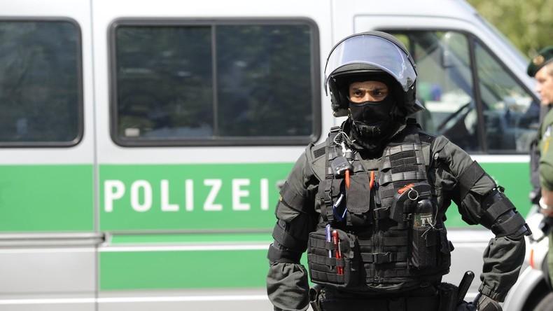 Schüler kündigt Tötungsdelikte an - Großeinsatz in Baden-Württemberg