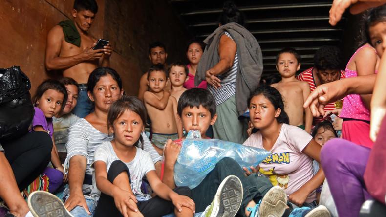 Mexiko: Mehr als 150 Migranten in Laster entdeckt