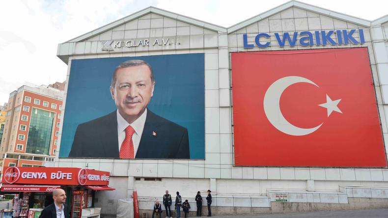 """""""Nahezu vollständig gleichgeschaltet"""": Bundesregierung besorgt um türkische Medien"""
