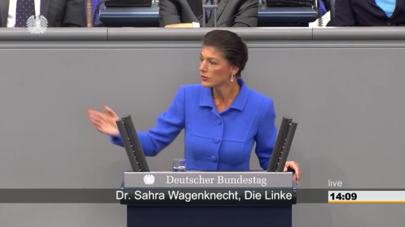 """""""Skrupellos und eine Strafe fürs Land"""" - Wagenknecht zerpflückt Bundesregierung"""